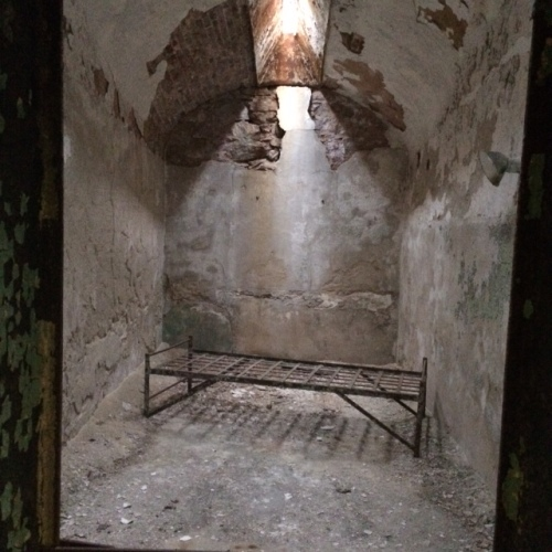 prison-cell-eastern-state-pentientiary