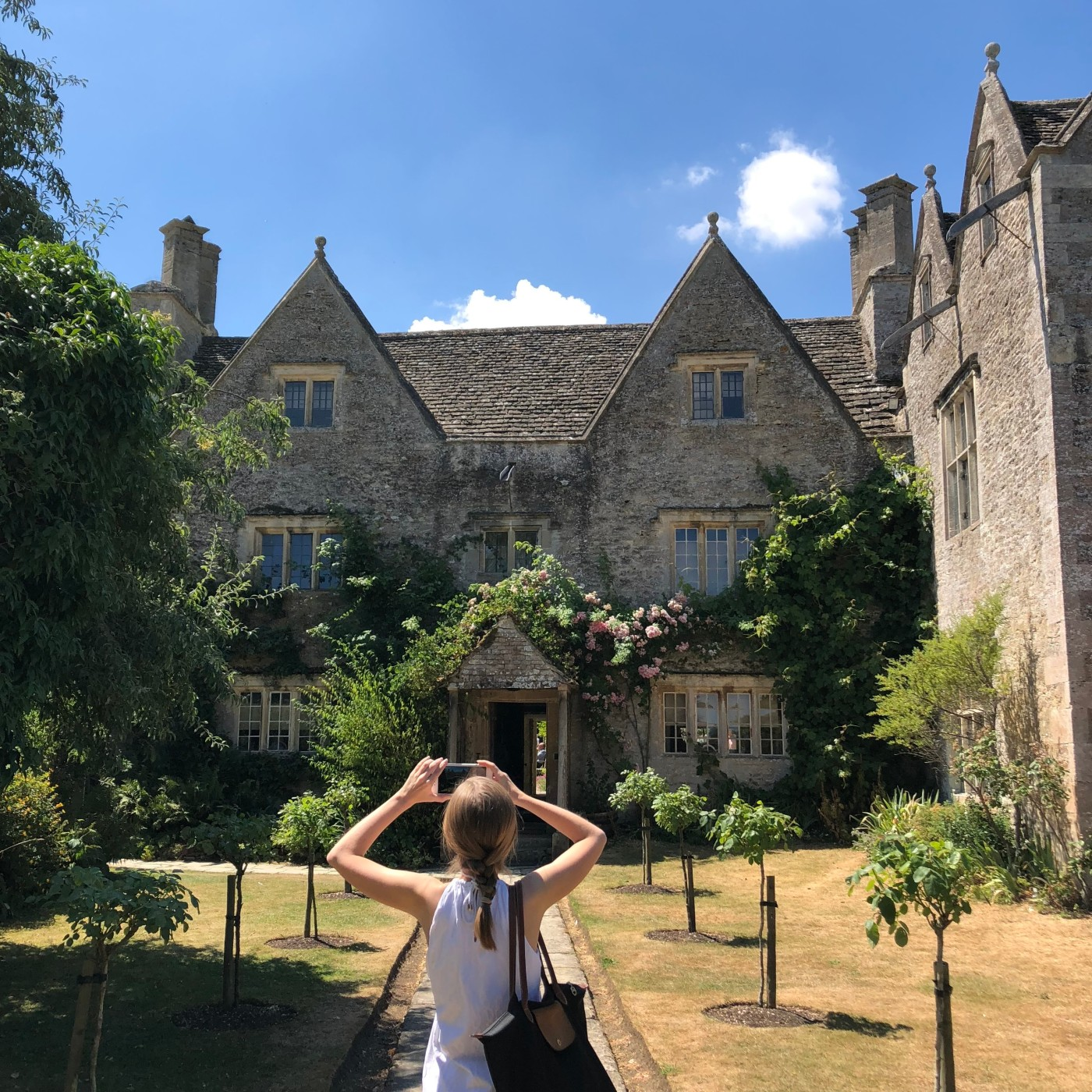 Kelmscott Manor Victorian Society London Summer School