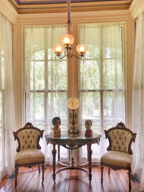furnishings in the parlor of the Armour-Stiner Octagon House